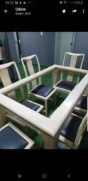Otima mesa com tampo de vidro/6 lugares
