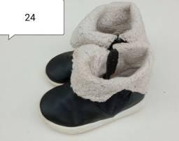 Bota infantil quentinha num 24