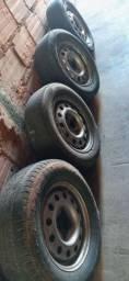 Rodas ESCORT cem pneu do jeito que está.
