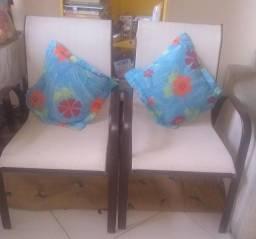 Duas cadeiras lindas