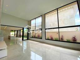 Título do anúncio: Casa de condomínio sobrado para venda com 525 metros quadrados com 4 quartos