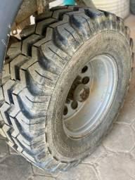 Jogo de Rodas aro 15 Daytona com pneus 31