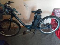 Bicicleta elétrica em perfeito estado sp trocar  a bateria