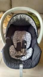 Vendo Bebê conforto Galzerano usado Teófilo Otoni