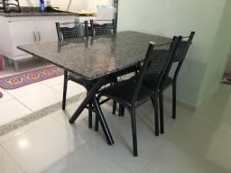 Mesa semi nova R$ 170