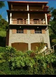 Carangola - Oportunidade, 2 casas Excelente Localização