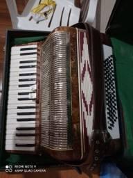 Vendo acordeon Mascarenhas