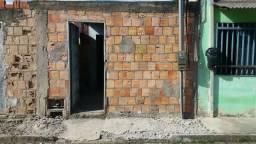 Vende-se casa na Vila Vitória