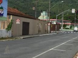 Terreno com duas casas em ótima localização do bairro Fazenda - Itajaí.