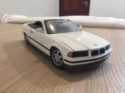 Miniatura Maisto 1/18 BMW 325i 1993 Conversivel