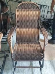 Lindas e confortáveis cadeiras de balanço ligue * zap