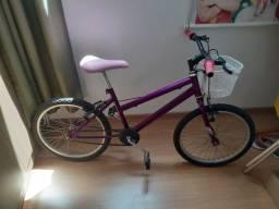Bicicleta em ótimo estado troca por bicicleta menor