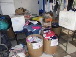 bazar de roupas usadas(de segunda a quarta feira)