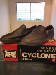 Sapato Cyclone Original Couro Preto pouco uso