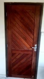 Porta externa Itaúna