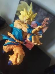 Goku SS Kamehameha boneco
