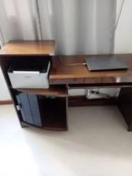 Vende se uma escrivaninha 150,00