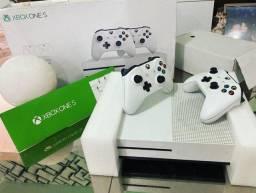 Xbox One s 1tb completo (2 joysticks + garantia )