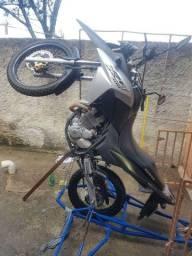 Vendo Carrinho para aprender a empinar moto com total segurança