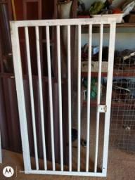 Portão 130 x72,5 Maciço ...pesa em torno de 50 kilos