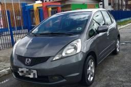 Honda Fit - novo e conservado
