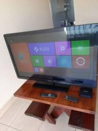 Vendo TV 42 + TV box por R$900,00