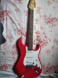Título do anúncio: Vendo guitarra e amplificador//preço negociável