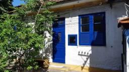 Alugo casa de vila em São Cristóvão