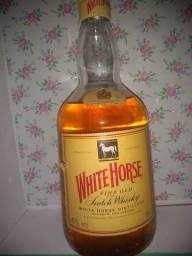Whisky White Horse anos 80 lacrado quanto mais antigo maior o seu valor