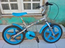 Bicicleta infantil até 6 anos