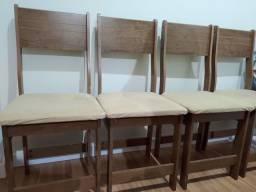 Conjunto de 4 cadeiras