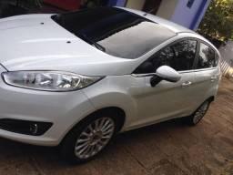 New fiesta hatch Branco - 2015