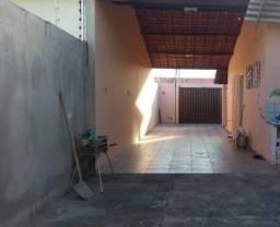 Alugo casa no residencial Horto do Carvalho II