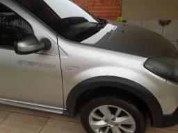 Vende-se este lindo carro - 2012