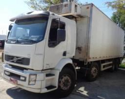 VM 330 bi truck com bau frigorifico - 2013