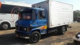 Caminhão 608 com serviço - 1983