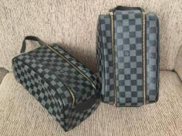 Necessaire Louis Vuitton xadrez preta