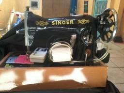 Maq.de costura Singer completa