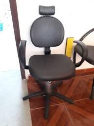 Cadeira hidráulica e lavatorio