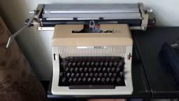 Vendo 2 máquinas de escrever