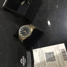 Relógio Oriente - Novo. Série ouro!