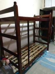 Beliche de madeira, alta, sem colchão, tamanho 0,78x1,88m