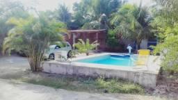 Casa duplex com piscina e garagem