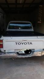 Toyota Hilux 2001 4x4 R$35.000