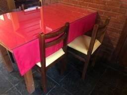 Mesas madeira ( vidro Temperado) cadeiras estofada ( Teresópolis)