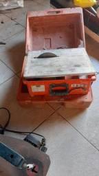 Máquina cortadora de piso portátil com bancada