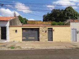 Casa Residencial à venda, 8 quartos, 3 vagas, Centro - Teresina/PI