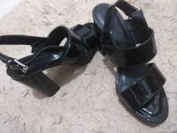 Sandália meia pata verniz tratorada Quiz