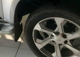 Vendo rodas com pneus semi novo aro 20