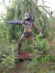 Estátua Predador 1/6 (33cm) em resina maciça.